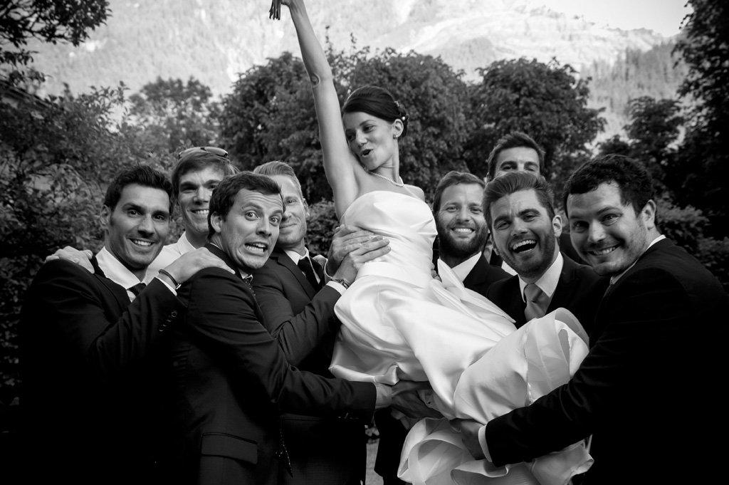 sposa con amici